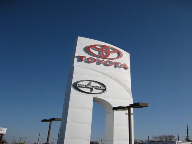 Evansville Car Dealerships >> Kenny Kent Toyota Lexus - Car and Truck Dealer in ...