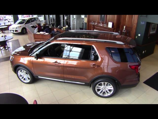 2017 Ford Explorer XLT–FT17010