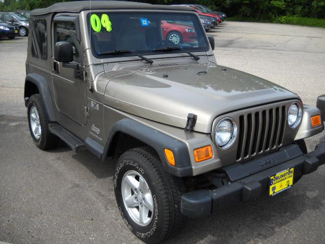 Charming 2004 Jeep Wrangler