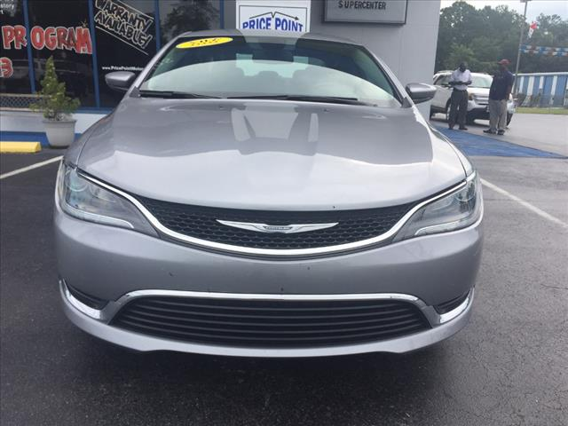 2016 Chrysler 200 Limited – U6099