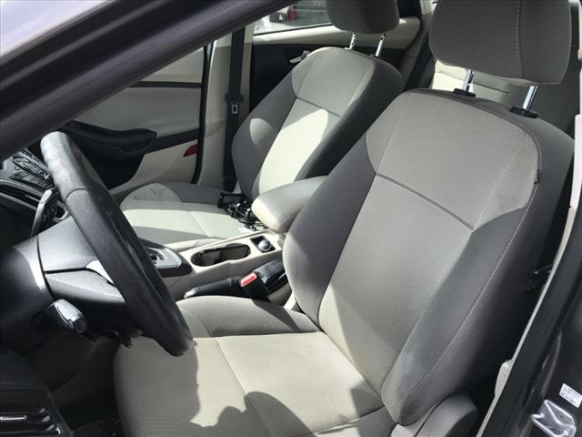 2014 Ford Focus SE:EL103236