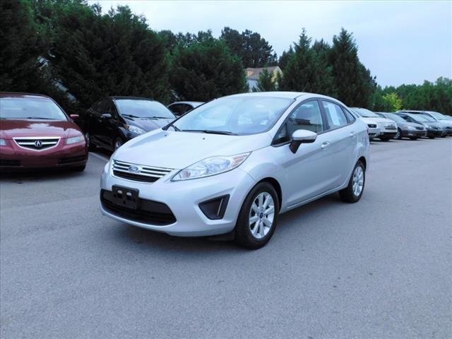 2013 Ford Fiesta SE:DM137146