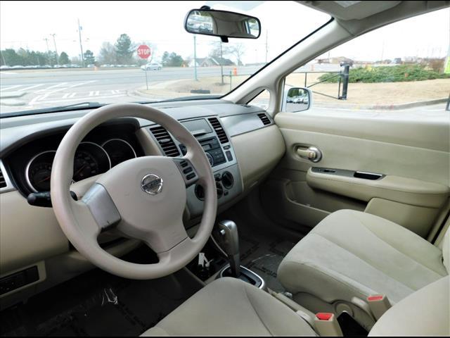 2009 Nissan Versa 1.8 S:9L404326