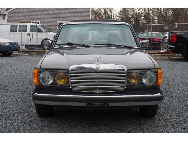 1983 Mercedes-Benz 300-Class 300 D:017347